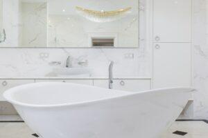 Quanto costa ristrutturare un bagno a roma