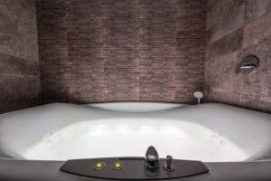 Installazione vasca idromassaggio a Roma